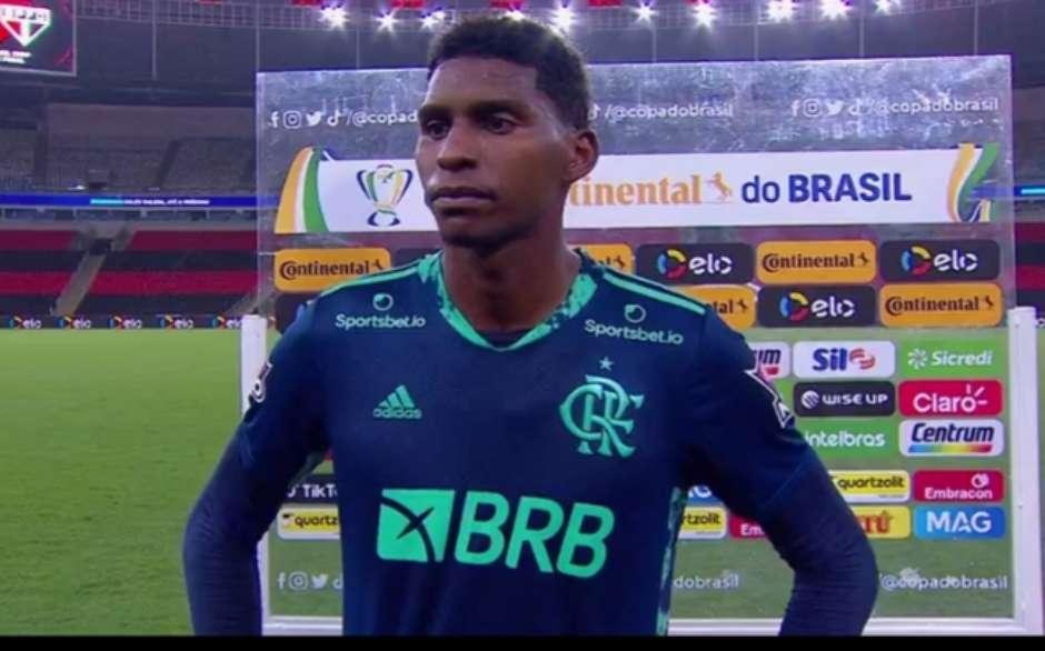 Goleiro Hugo em entrevista após a derrota.