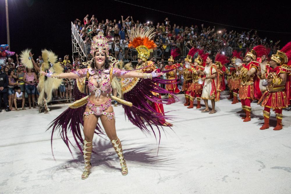 Desfile das escolas de samba.