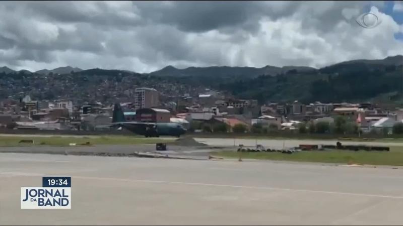 120 brasileiros estão retidos no Peru.